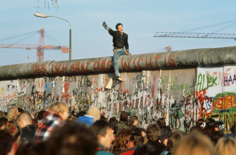In the Face of Clinton and Trump, Remember the Berlin Wall